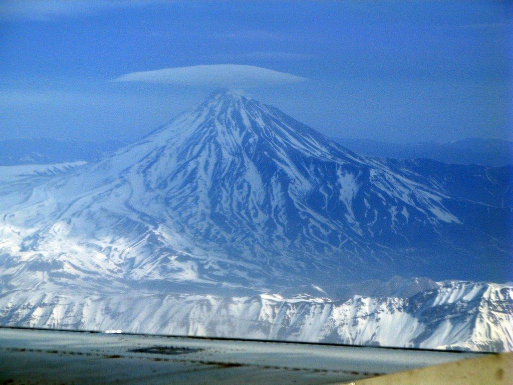 Damavand-Blue-Mountain
